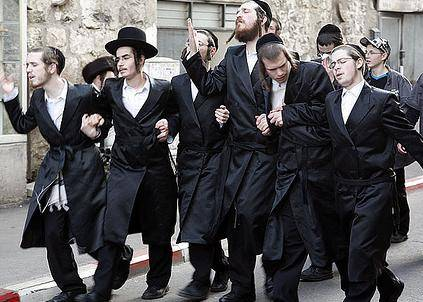 http://www.theoccidentalobserver.net/wp-content/uploads/2010/11/orthodox-jews-2.jpg