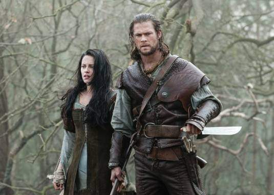 http://www.theoccidentalobserver.net/wp-content/uploads/2012/06/Snow-White-Huntsman.jpg