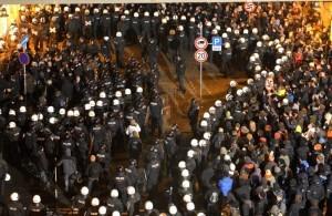 Dresden gedenkt der Zerstoerung der Stadt vor 68 Jahren