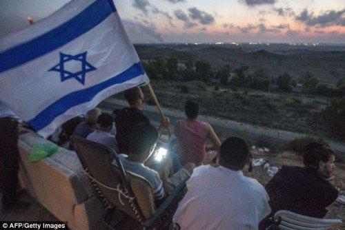 "An ""anti-Semitic"" photograph?"