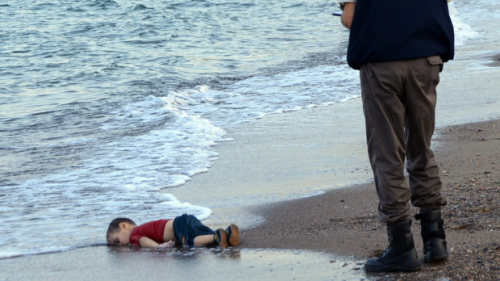 Dead Syrian child washed up on Turkish beach