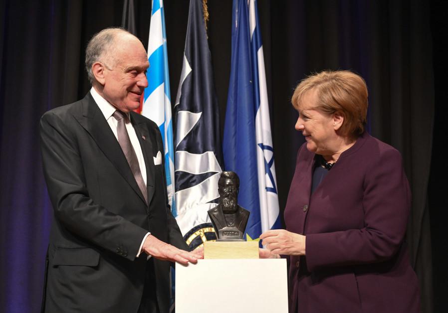 Merk Makes Free: Angela Merkel accepts the World Jewish Congress award