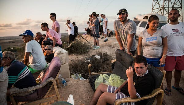 Israeli Spectator Sport: Watching the Slaughter in Gaza, 2014